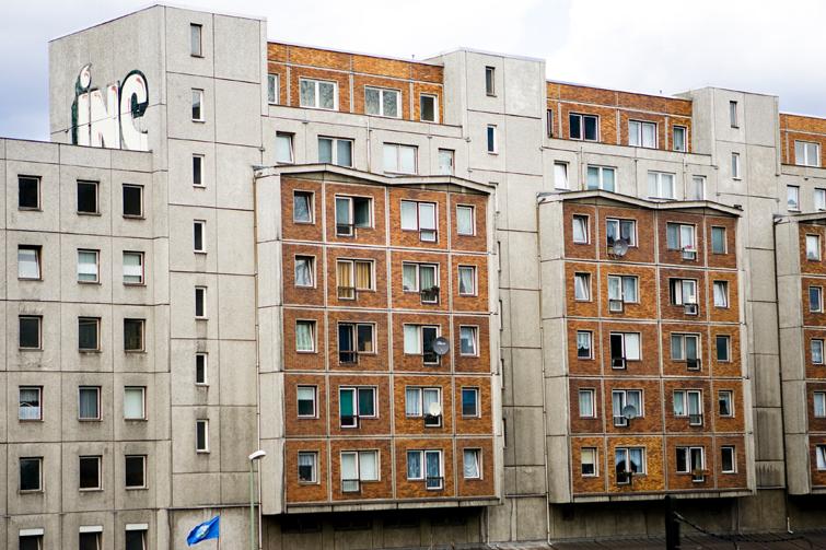 Brun blokk i Berlin. Foto