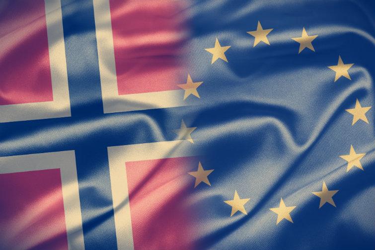 Norgesflagget og EU-flagget